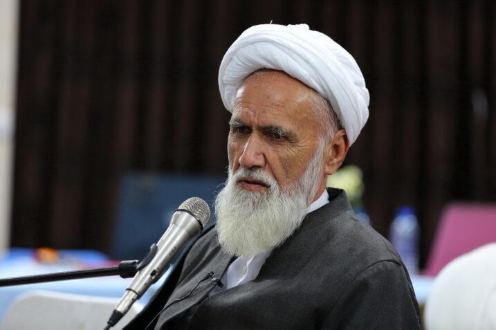 آیتالله حائری شیرازی: مسائل بانکداری و ربا با اسلام مطابقت ندارد