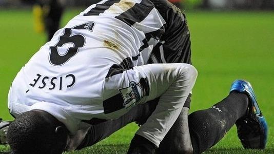 بازیکن مسلمان تیم انگلیسی از پوشیدن لباس با تبلیغات ربا امتناع کرد