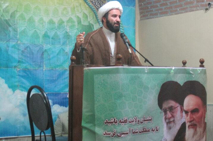 امام جمعه کن: دریافت ربا در بانکهای شیعیان خجالتآور است