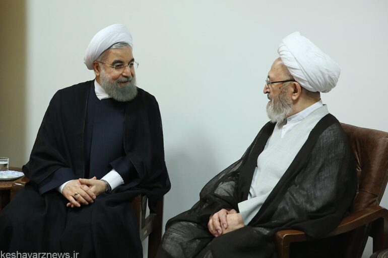 آیتالله سبحانی خطاب به روحانی: نظام بانکی کشور بر مبنای احکام شرعی عمل کند