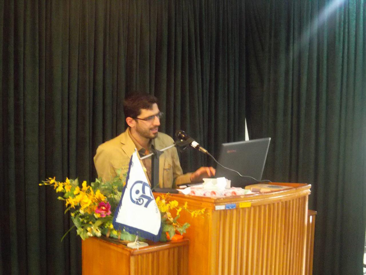 تصویر از مسئول قرارگاه احمدی روشن بسیج دانشجویی: استاد بزرگ فساد اقتصادی کشور، نظام بانکی است