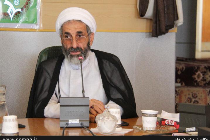 امام جمعه سمیرم: سر منشا ربا خواری در ایران بانک ها هستند