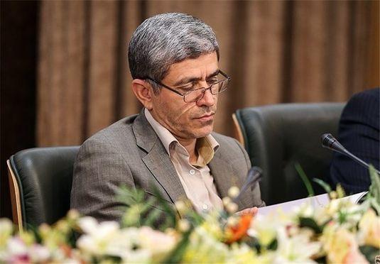 نامه دبیر مجمع اسلامی بانکها به طیبنیا: درباره هجمه علیه بانکهای دولتی سکوت نکنید!