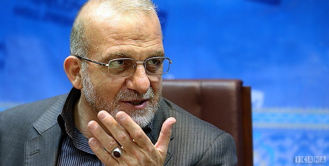 تصویر از نماینده مردم اصفهان: هیچ کشور غیر اسلامی وام با سود بالای ۲۰ درصد پرداخت نمیکند