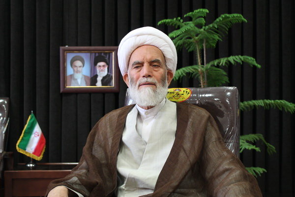 امام جمعه همدان: مرز میان ربا و عقود شرعی در بانکها بسیار باریک است