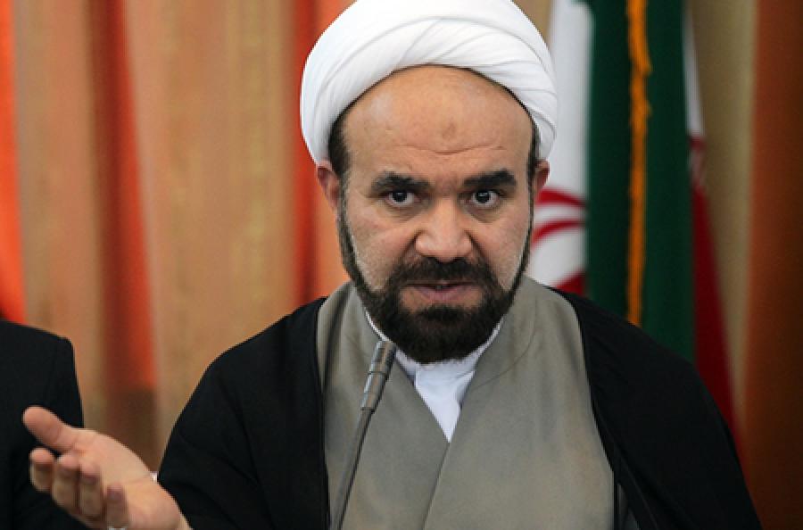 تصویر از امام جمعه موقت مرودشت: بانکداری بدون ربا مهجور مانده است