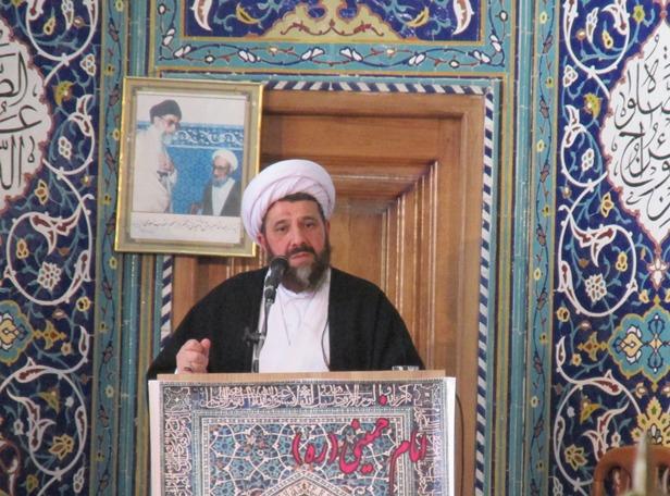 تصویر از امام جمعه آشتیان: ربا خواری و ترویج ربا به عنوان اعلام جنگ با خداست