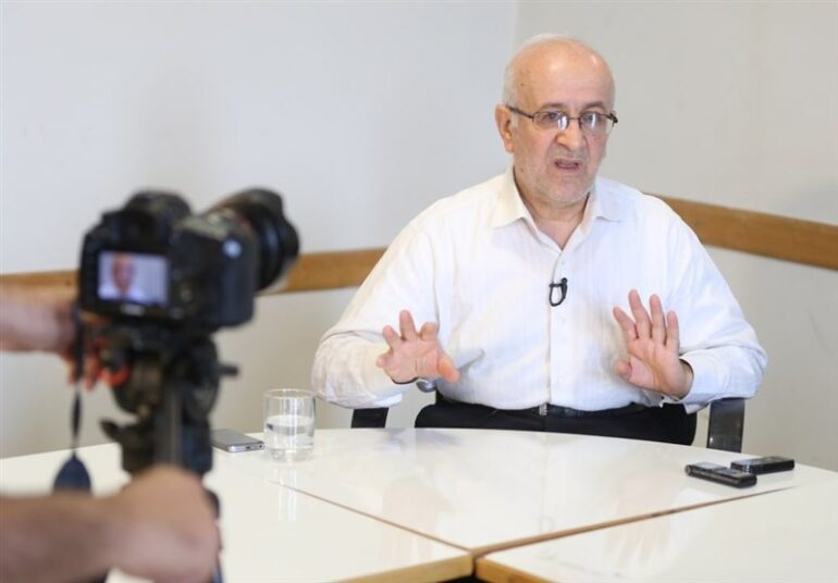 حسن سبحانی: فقیه در حوزه اقتصاد خود باید کارشناس موضوع باشد