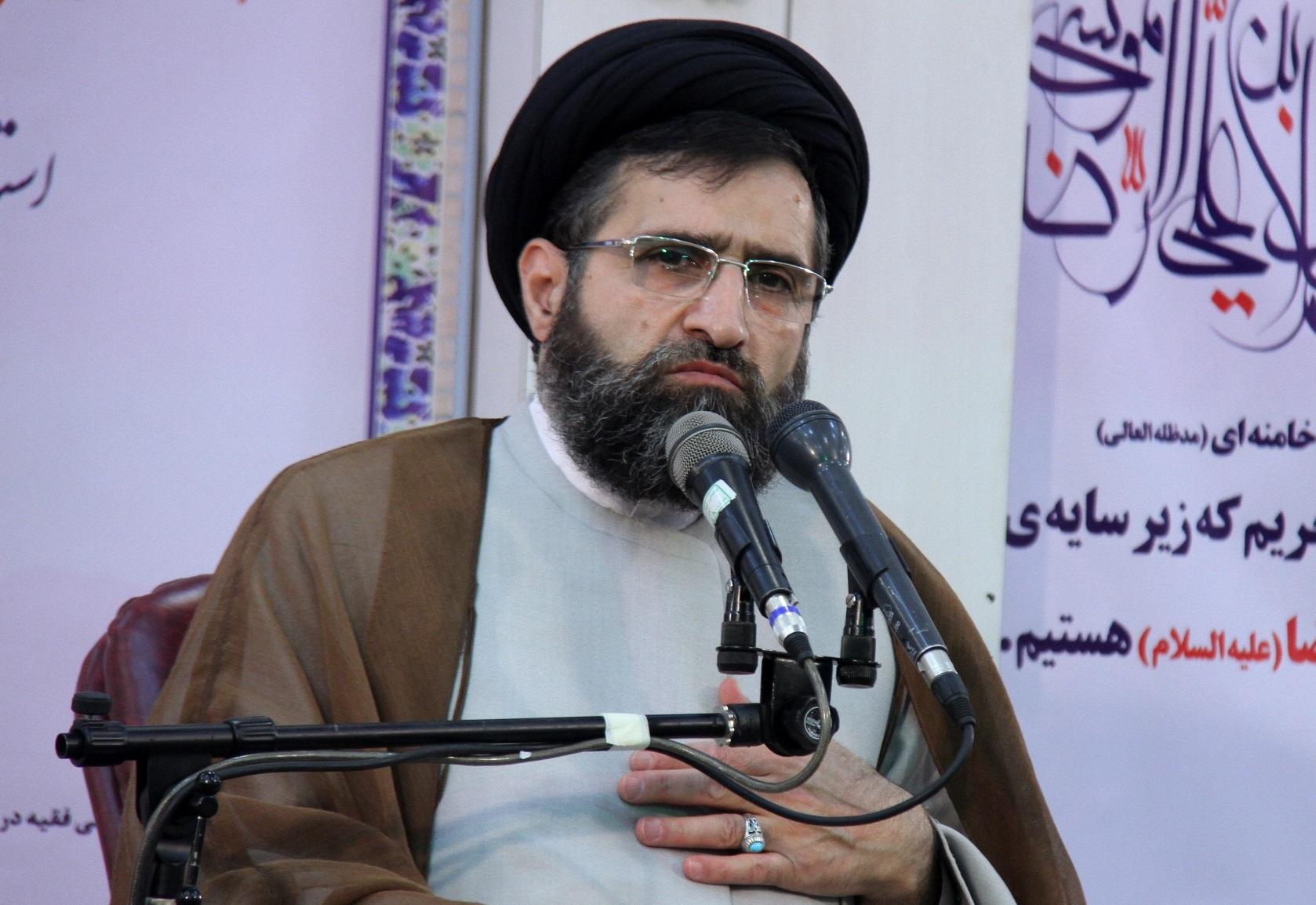 تصویر از بانکهای ربوی یک منکر بزرگ برای نظام جمهوری اسلامی است
