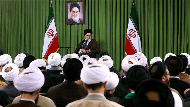 تصویر از وظیفه مهم روحانیت درباره «ربا» از منظر امام خامنهای